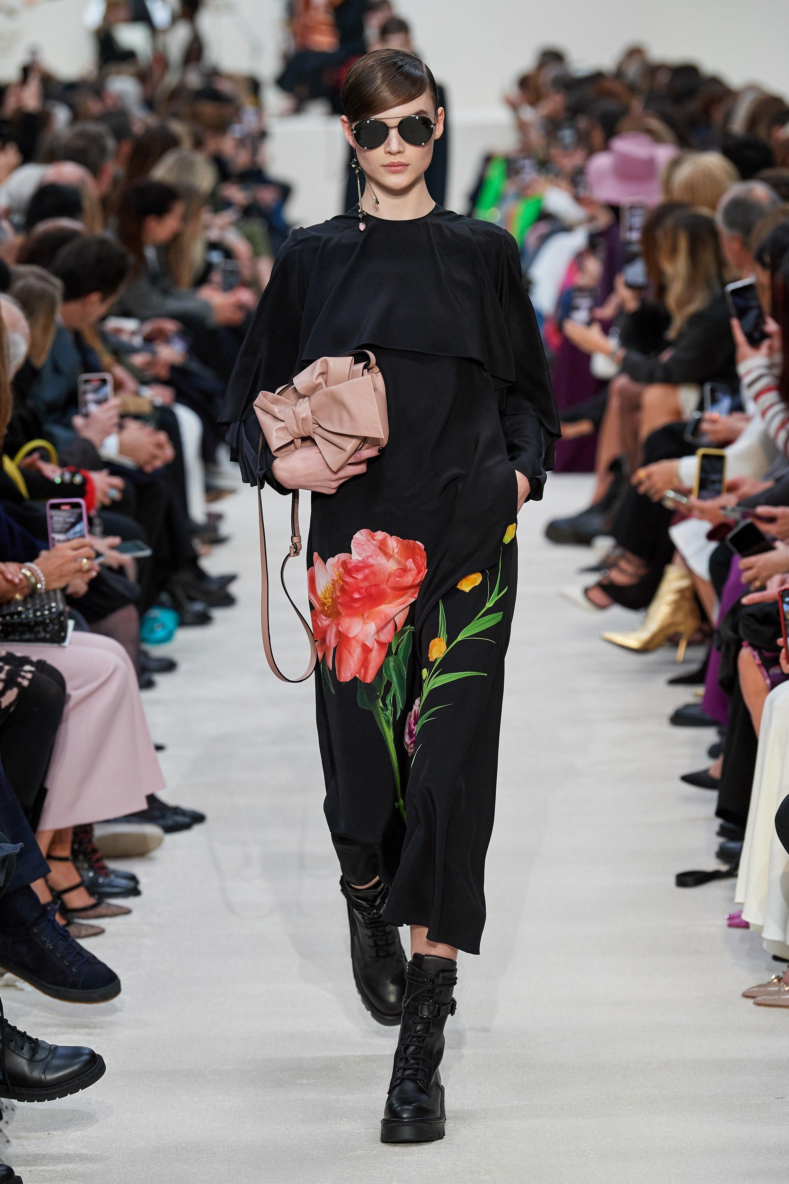 Người mẫu đội đầu thú lên trình diễn thời trang tại Paris Fashion Week - 12