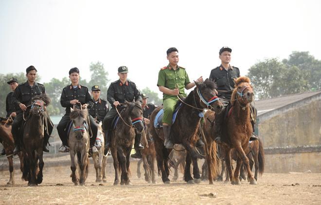 Chuyện chưa biết về  Đoàn Cảnh sát cơ động Kỵ binh - 1
