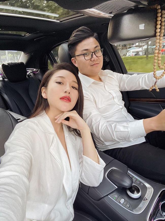 Người đẹp lên xe hoa hồi tháng 1/2019 và mới thông báo có bầu vào dịp tháng 1 năm nay.
