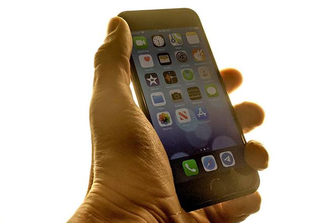 iPhone 7 giá khoảng 5 triệu đồng vẫn còn xài tốt chán - 1