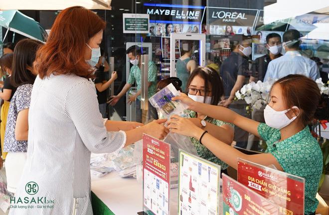 Tặng 3000 khẩu trang vải kháng khuẩn, Hasaki cùng 500 đối tác chung tay vì sức khỏe cộng đồng - 1