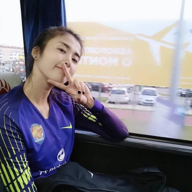 Nữ thủ môn cao 1,88m, có gương mặt đẹp như hoa hậu - 9