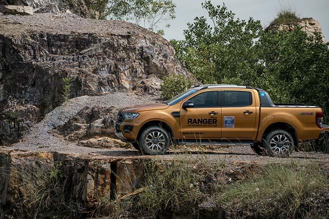 Bảng giá xe Ford tháng 3/2020, Ford Ranger Limited có giá bán 799 triệu đồng - 1
