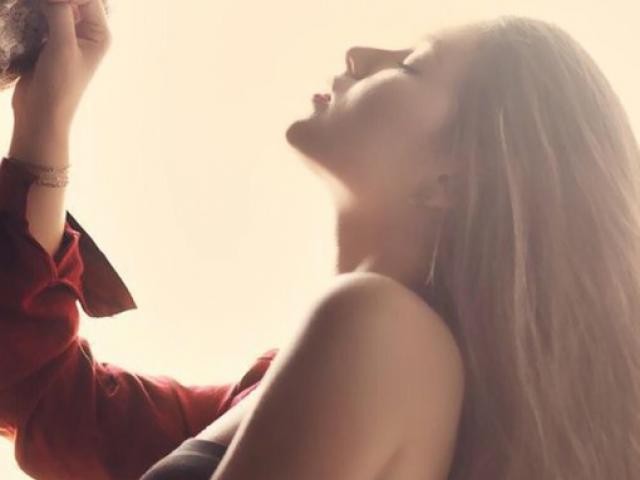 """Đàn ông có thể nhận biết phụ nữ muốn """"yêu"""" qua mùi cơ thể"""