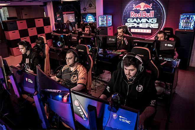 Màn hình cong Gaming thương hiệu MSI - tay chơi đáng gờm - 1