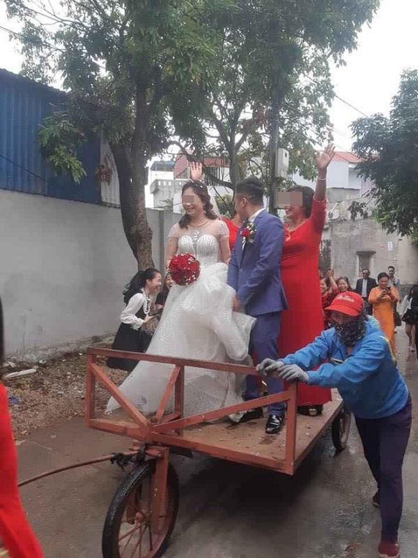 Màn rước dâu độc - lạ bằng xe tự chế, người xung phong đi đầu mới thu hút hơn cả - 1