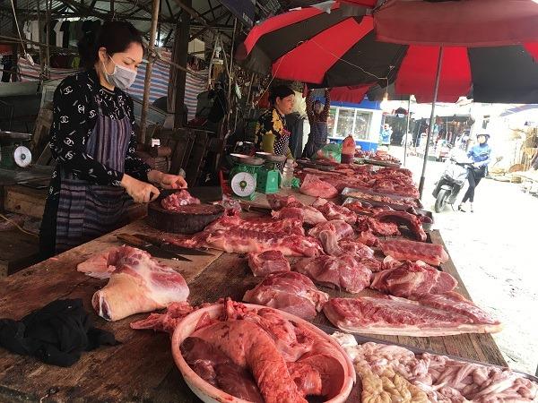 Covid-19 quét sạch 50 - 80% doanh thu các chợ Hà Nội, nhiều ki ốt đóng cửa - 1