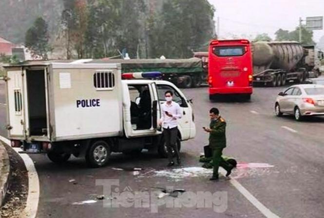 Một chiến sỹ công an tử vong trên đường áp giải phạm nhân - 1