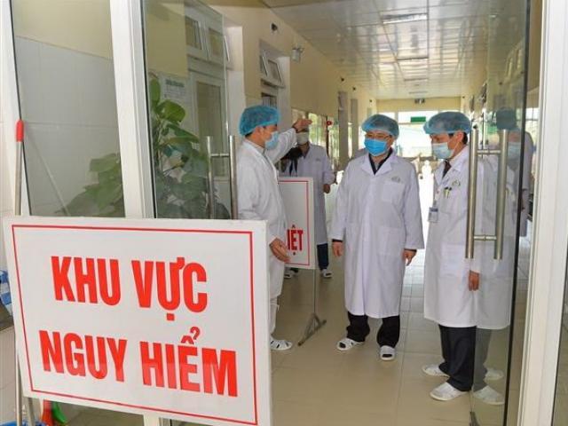 Bộ Y tế đề nghị Hà Nội cách ly, theo dõi sức khỏe tất cả người tiếp xúc với người mắc Covid-19