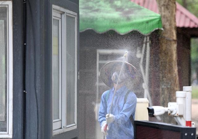Bộ Y tế hướng dẫn vệ sinh, khử khuẩn cho người cách ly y tế tại nhà - 1