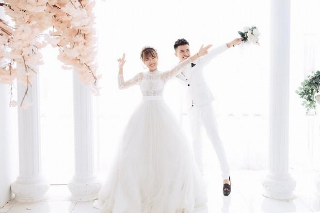 """Trường cho nghỉ dịch Covid-19 dài ngày, cặp sinh viên FPT """"tranh thủ"""" làm đám cưới - 4"""