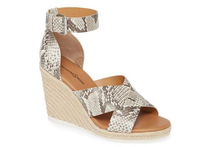 4 loại giày có thể đi vào mùa hè thay cho dép