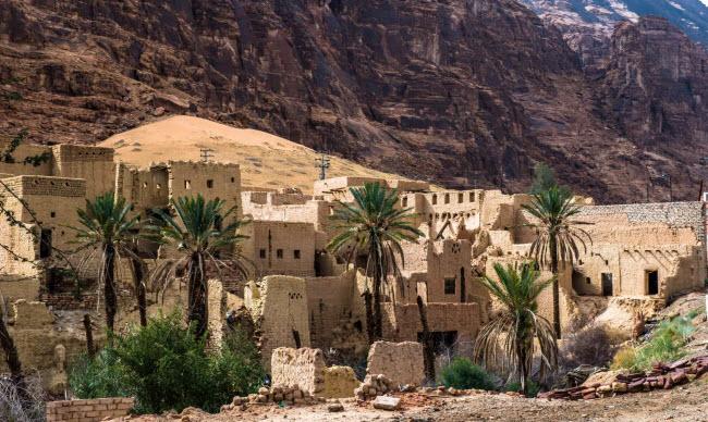 Al-Ula, Ả-rập Saudi: Thị trấn này bị bỏ hoang từ cách đây 40 năm, sau khi các cư dân chuyến tới một thị trấn mới gần đó.