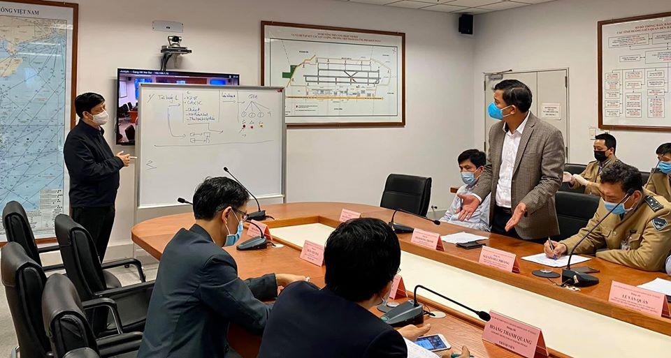 Dừng lấy mẫu xét nghiệm Covid-19 tại sân bay Nội Bài để giảm ách tắc - 1