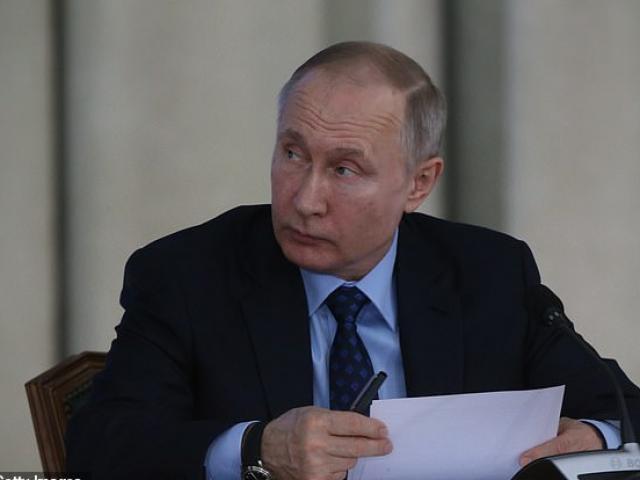 Ông Putin đang được bảo vệ khỏi virus Covid-19 như thế nào?