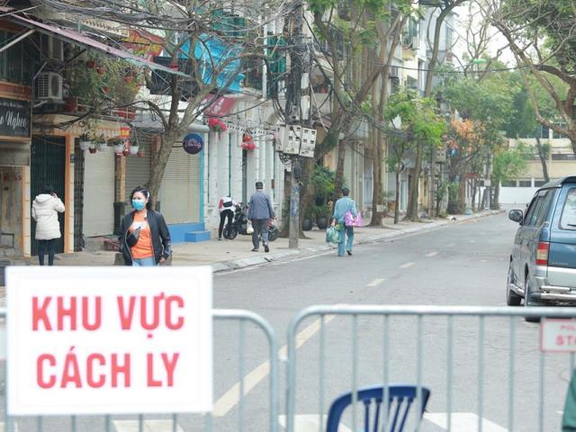 Dỡ bỏ phong toả khu vực cách ly tại phố Trúc Bạch, Hà Nội