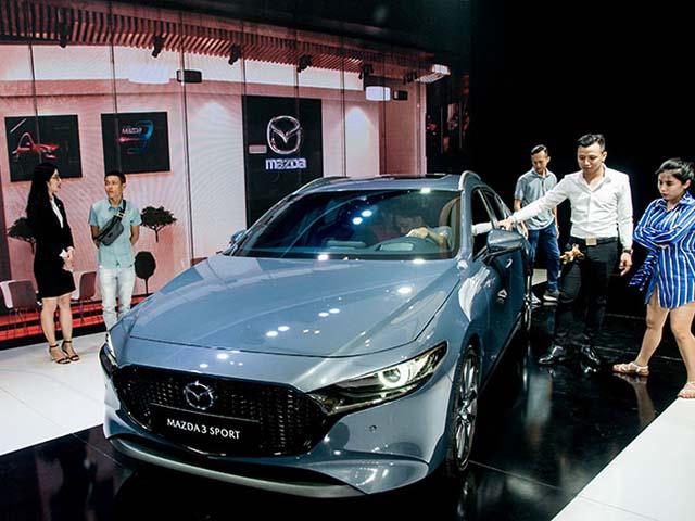 Mazda Việt Nam thực hiện cập nhật và kiểm tra phần mềm 300 xe Madza3 All New
