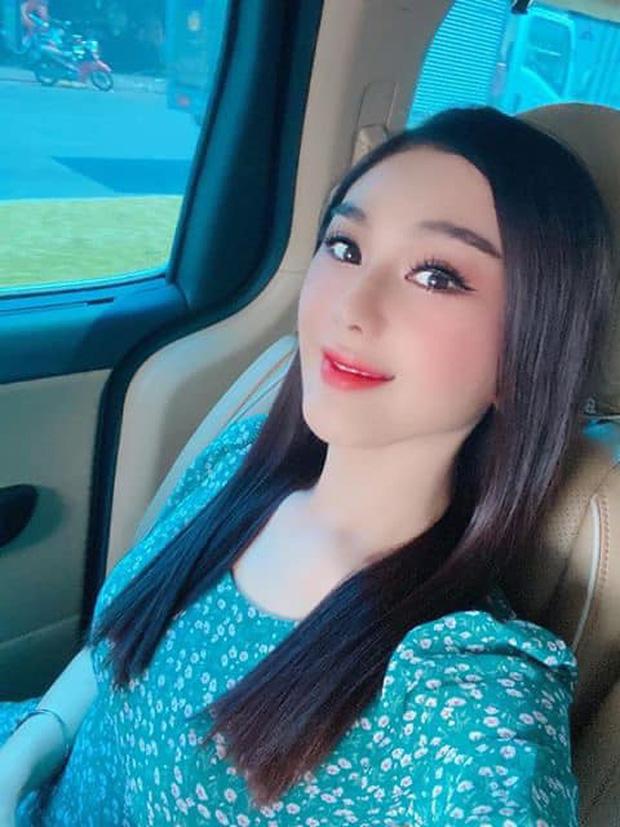 Sau nhấn mí, mặt Lâm Khánh Chi khác lạ - 1