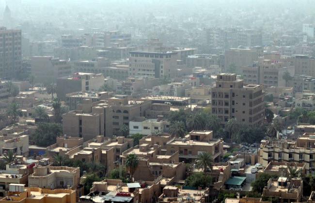 Baghdad, Iraq: Thành phố Baghdad được thành lập chính thức vào năm 762, nhưng các bằng chứng khảo cổ học cho thấy thủ đô Iraq xuất hiện từ rất lâu trước đó. Thời kỳ cực thịnh của thành phố là vào cuối thế kỷ thứ 8 và đầu thế kỷ thứ 9 và khi đó được coi là thành phố giàu có nhất thế giới.