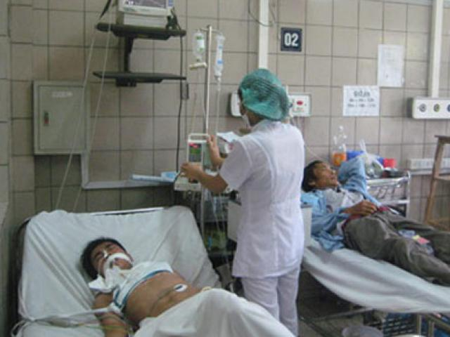 Uống thuốc sốt rét để phòng Covid-19, một người đàn ông ở Hà Nội phải thở máy