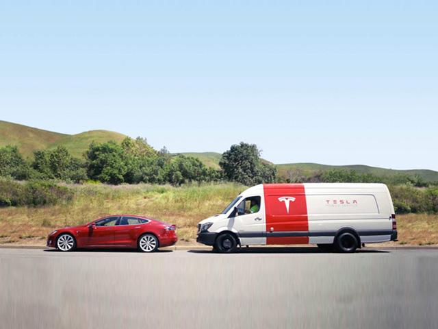 """Tesla áp dụng dịch vụ sửa chữa lưu động """"không tiếp xúc"""" nhằm hạn chế lây lan Covid-19"""