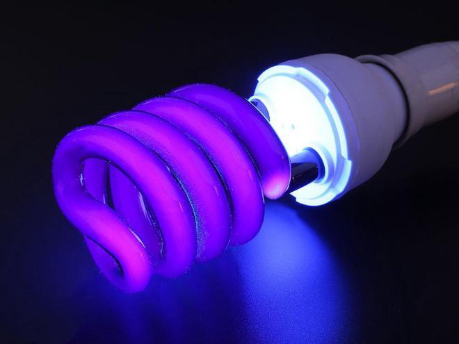 Sai lầm dễ mắc khi dùng đèn phát tia cực tím phòng dịch tại nhà - 1