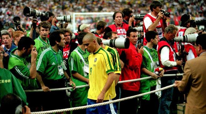 """Ronaldo """"béo"""" trận chung kết World Cup 1998: Bàng hoàng nghi án bị đầu độc? - 3"""