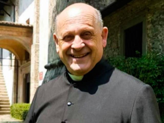 Linh mục Italia nhường máy thở cho bệnh nhân nhiễm Covid-19, qua đời như người hùng