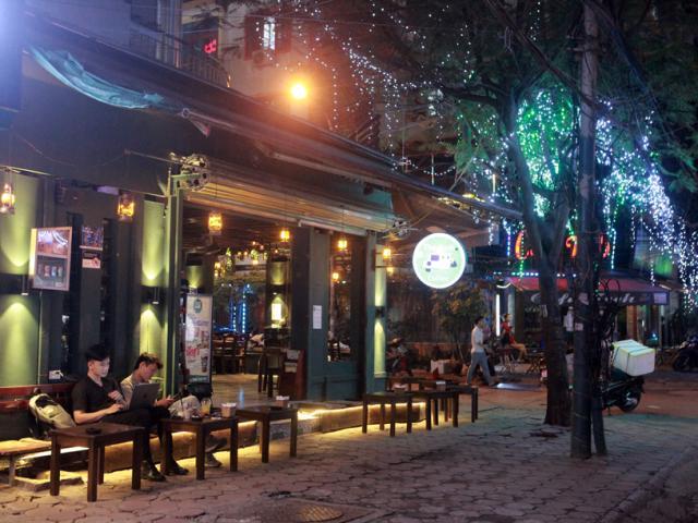 Hình ảnh quán cà phê ở Hà Nội sau yêu cầu đóng cửa của Chủ tịch thành phố