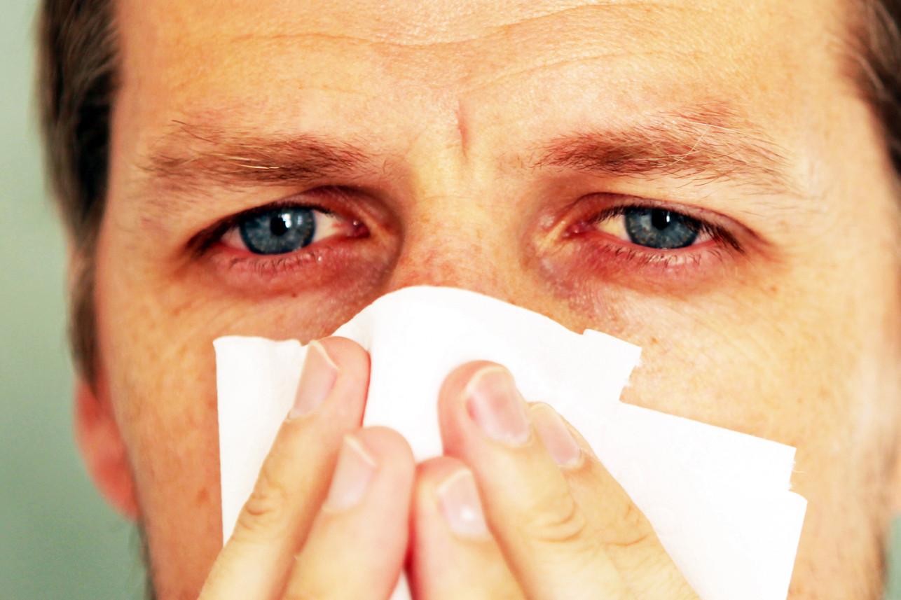 Y tá Mỹ chỉ ra dấu hiệu ở mắt có thể nhận biết người nhiễm Covid-19 - 1