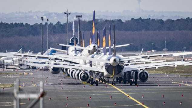 Khủng hoảng ngành hàng không, hàng ngàn máy bay nằm chờ trong bế tắc - 1
