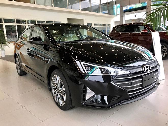 Có nên mua Hyundai Elantra hay không? - 1