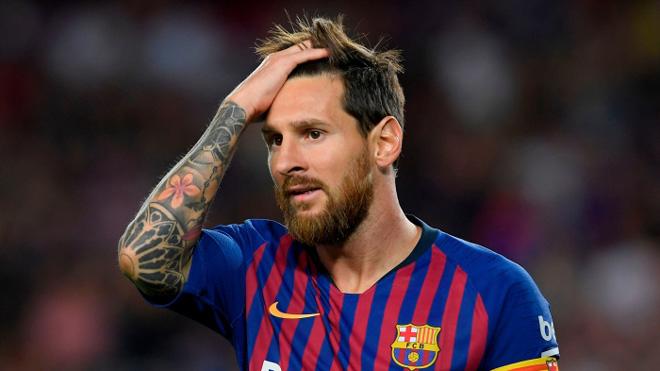 NÓNG: Barcelona có ca dương tính Covid-19 đầu tiên, lo lắng Messi - 1