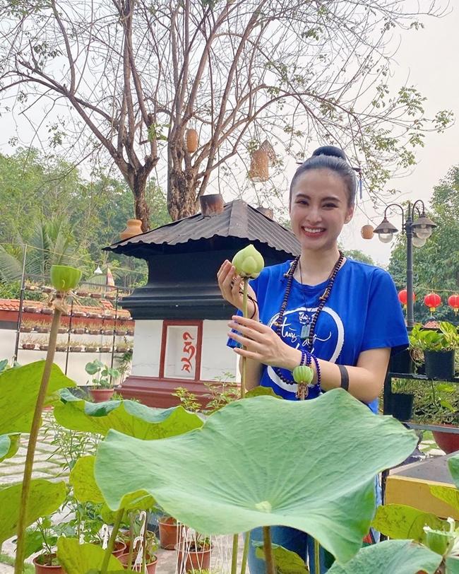 Gần 2 năm qua, Angela Phương Trinh không còn mặn mà với showbiz. Cô hạn chế tham gia các hoạt động phim ảnh.