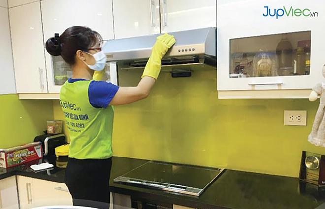 Quá tải dịch vụ tổng vệ sinh khử khuẩn phòng dịch bệnh Covid-19 - 1