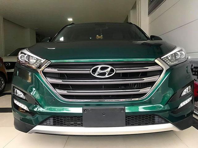Hyundai Tucson màu xanh lục bảo rao bán 820 triệu tại Việt Nam