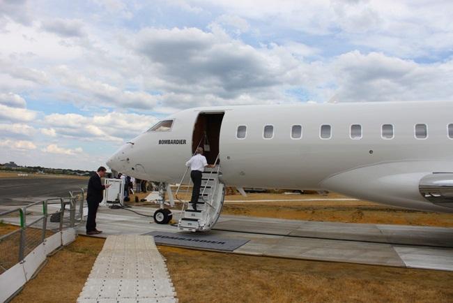 Trong bài viết của Reuters mới đây đề cập đến việc con nhà giàu Trung Quốc ở Mỹ được bố mẹ chi tiền để thuê máy bay về nước giữa lúc Covid-19 bùng phát ở Mỹ.