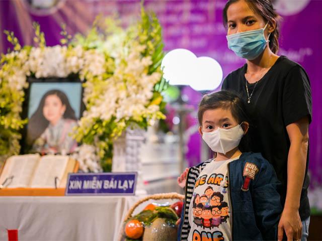 Con gái 7 tuổi của Mai Phương vẫn chưa biết mẹ đã mất