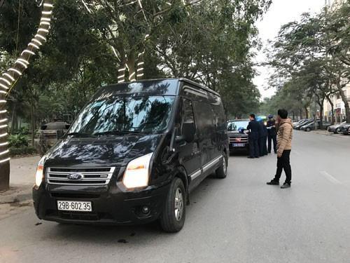 KHẨN: Dừng hoạt động xe hợp đồng, xe du lịch đến Hà Nội và TP.HCM để chặn dịch Covid-19 - 1