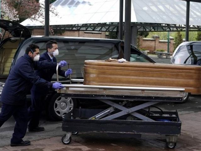 Covid-19: TBN có số ca tử vong cao nhất trong ngày, quân đội vận chuyển thi thể