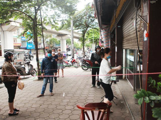 Muôn kiểu bán hàng của người Hà Nội sau lệnh đóng cửa hàng phòng dịch Covid-19