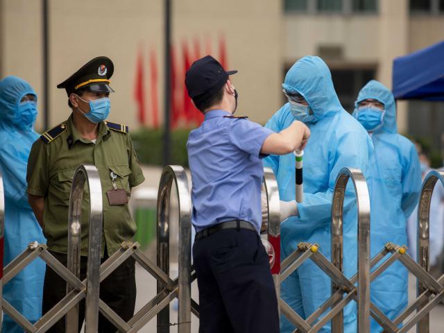 Hà Nội hỗ trợ mọi yêu cầu của BV Bạch Mai để chống dịch Covid-19