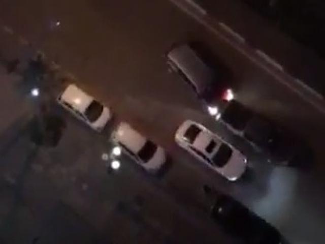 Clip: Hai ô tô rượt đuổi, tông nhau như phim hành động ở Hà Nội