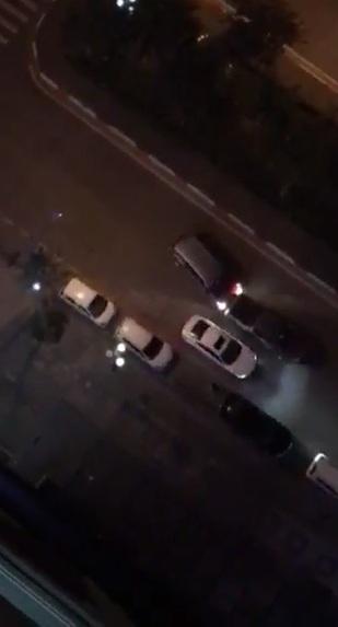 Clip: Hai ô tô rượt đuổi, tông nhau như phim hành động ở Hà Nội - 1