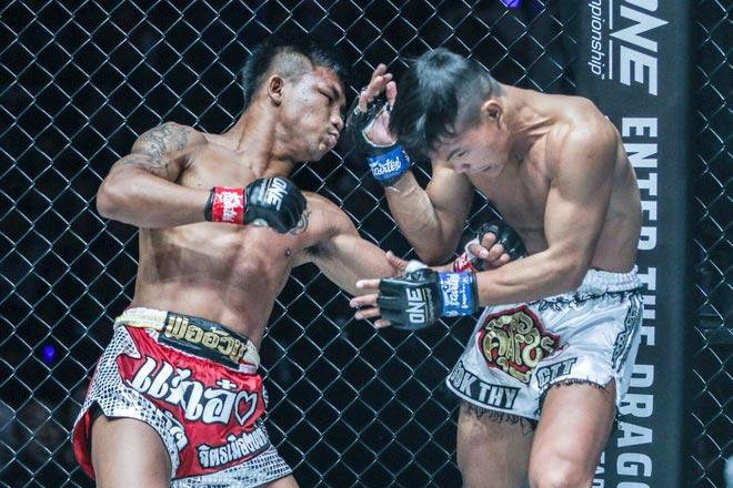 """""""Người sắt"""" muay Thái tung cước khiến đối thủ tái mặt - 1"""