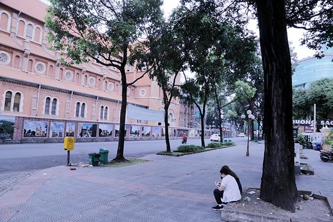 Lặng ngắm một Sài Gòn rất khác, không ồn ã trong sáng đầu năm mới - 12