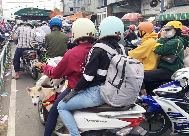 """Người dân đổ xô đi nghỉ Tết Dương lịch 2021 và cảnh """"rồng rắn"""" từ sáng đến trưa ở cửa ngõ Sài Gòn - 3"""