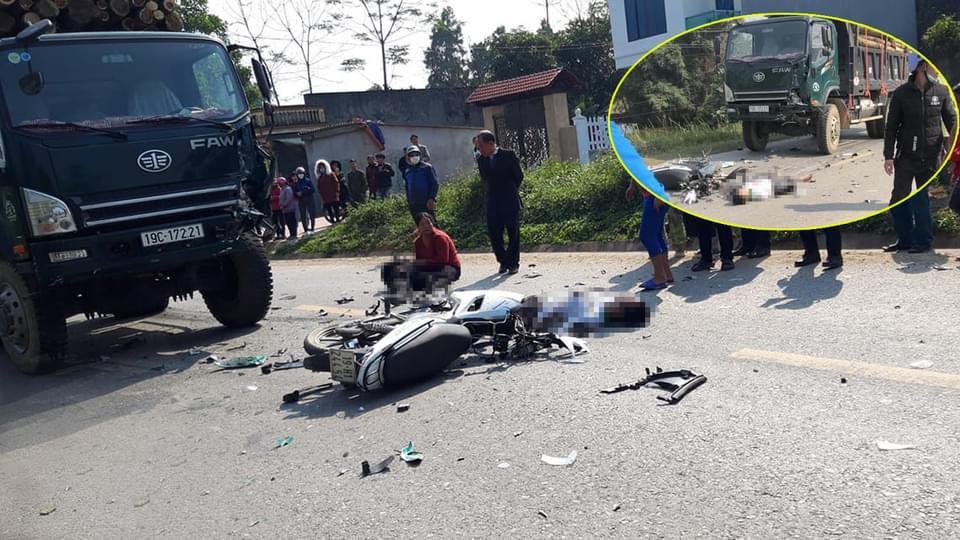 Va chạm với xe tải, hai thanh niên chết thảm - 1