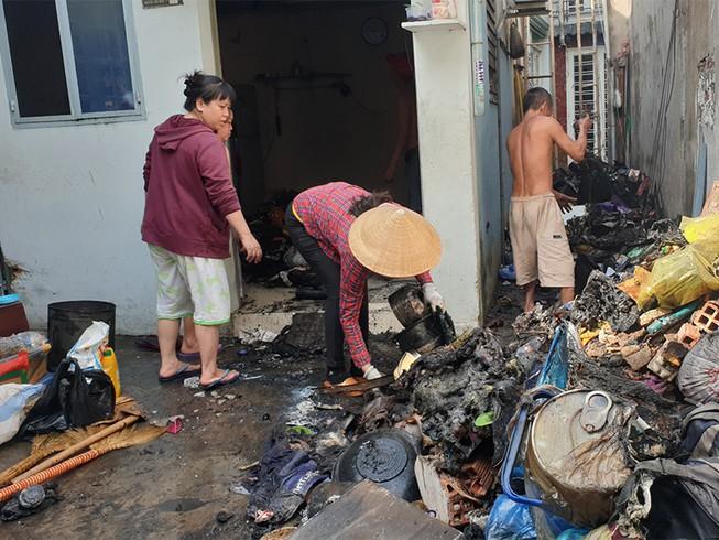 Cháy nhà sau tiếng nổ, nhiều người tháo chạy ở Gò Vấp - 1