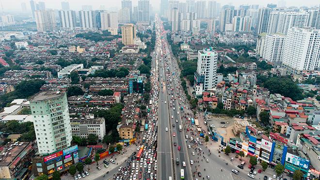 Người dân trở lại Hà Nội, TP.HCM sau kỳ nghỉ Tết Dương lịch, nhiều tuyến đường cửa ngõ ùn tắc - 14